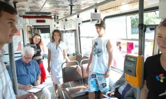 Medzigeneračný autobus